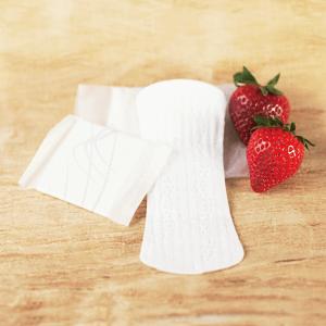 kompostierbare Binde und Slipeinlage und Erdbeeren